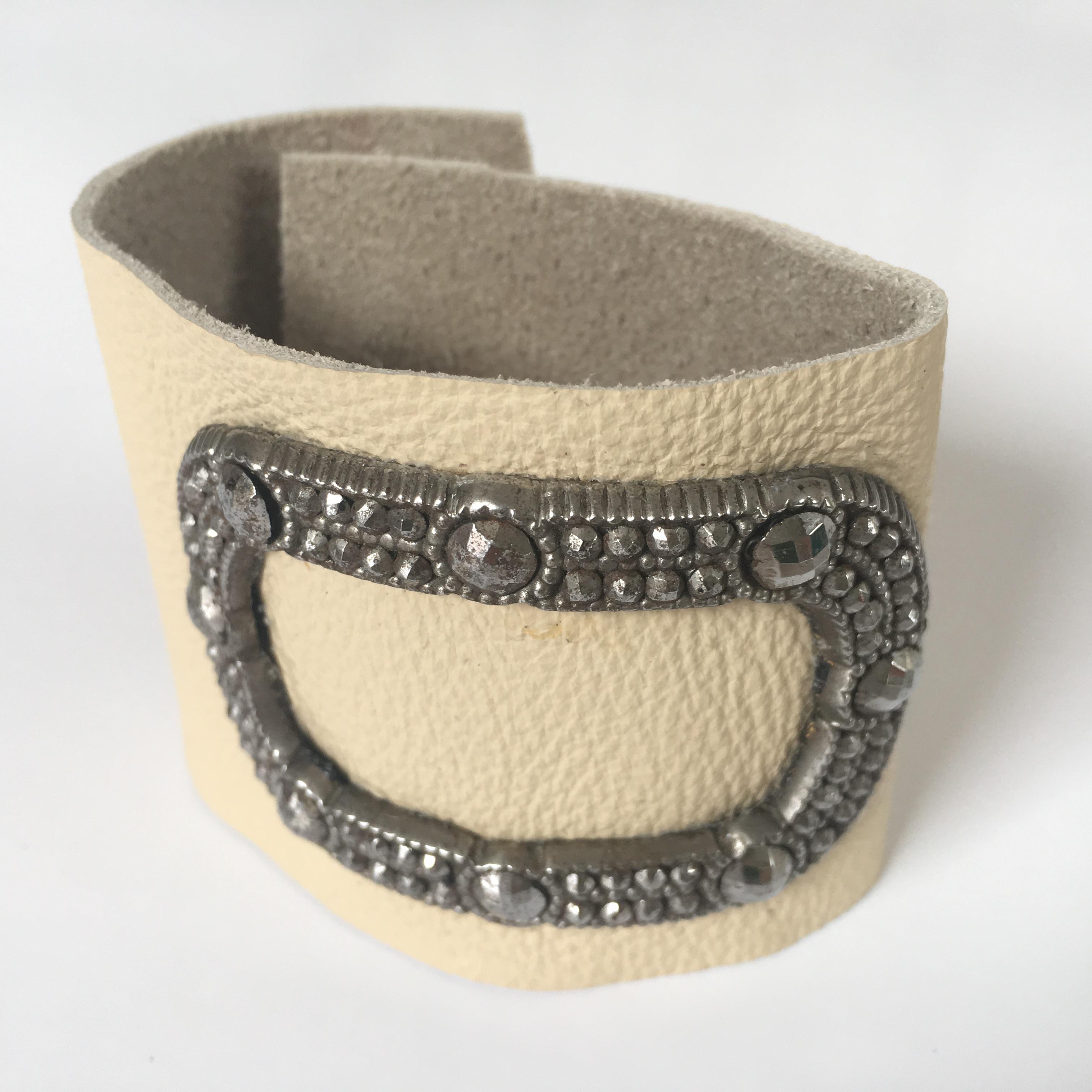 Shoe buckle cuff